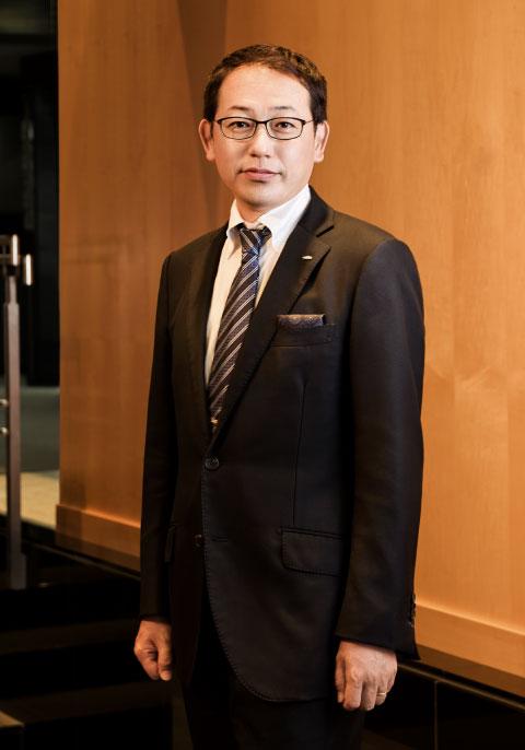 代表取締役 岡本哲治
